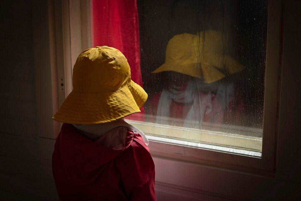 Raining-Behind-the-Window-2013_Jarno-Vesala_Detail-back